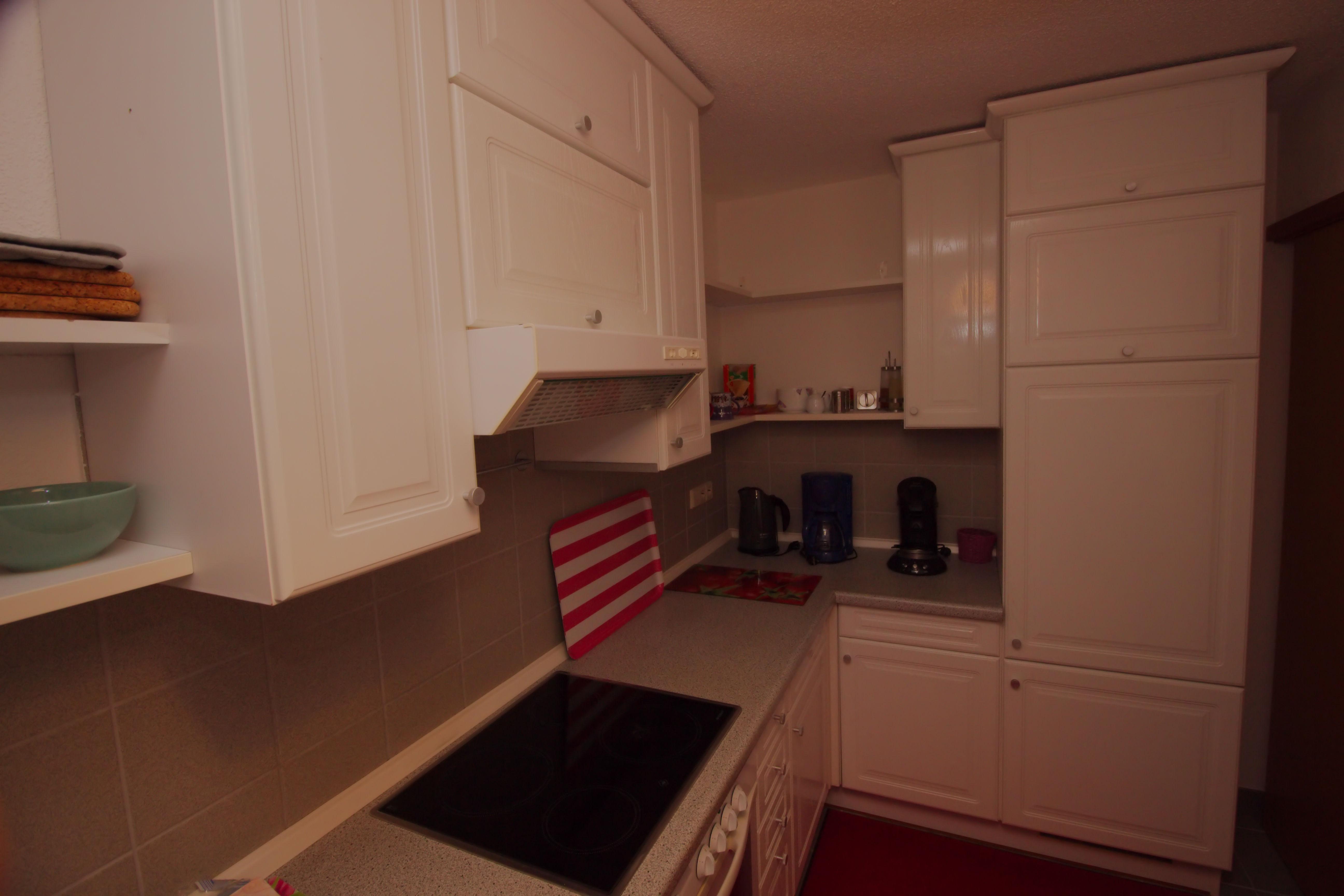 Küche, Essbereich und Flur - Ferienwohnung Glönkler